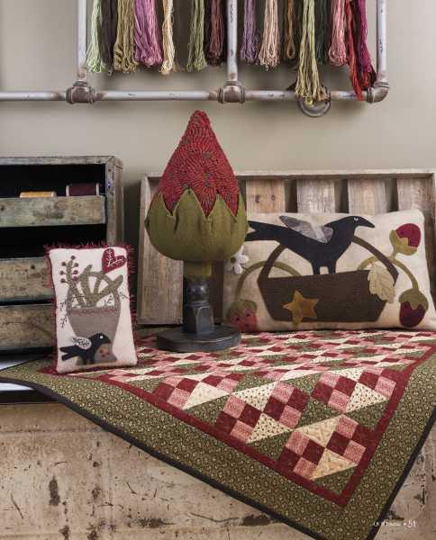 Seasons at Buttermilk Basin - Ete-Summer patterns-Coussin de porte-Pillow Tuck_Quilt fraises-Strawberry Patch Quilt_Coussin-basket pillow_hooked rug
