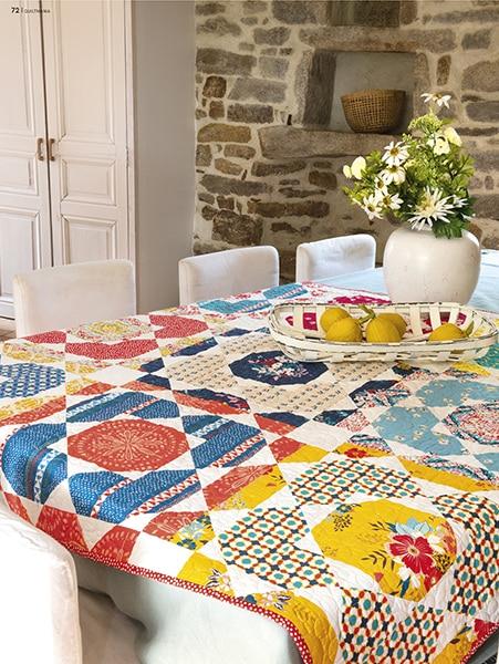 Sous-le-Soleil-surprise-me-moira-carvalho-quilt-patchwork-magazine-quiltmania-131-maijuin2019