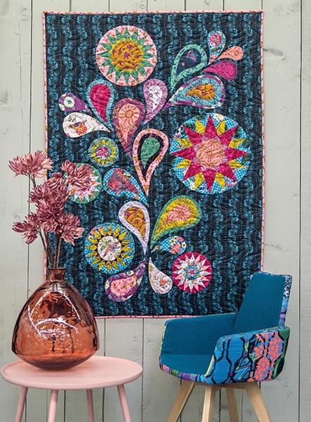 Midnight-Flower-Dance-Robin-Long-quilt-patchwork-magazine-simply-moderne-17-juin-juillet-août-2019