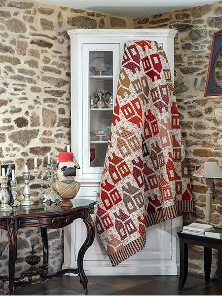 Karen-Styles-livre-Seams-Like-Yesterday-2019-The-Village-quilt