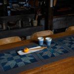 Etsuko-Ishitobi-The story of a rebirth-Chemin de table