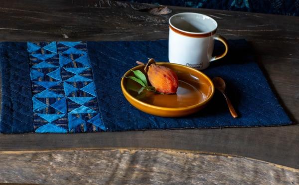 Etsuko-Ishitobi-The-story-of-a-rebirth-Chemin-de-table-Aux-Sabliers