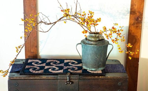Etsuko-Ishitobi-The-story-of-a-rebirth-Chemin-de-table-Escargot