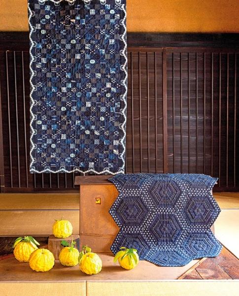 Etsuko-Ishitobi-The-story-of-a-rebirth-Petit-quilt-et-hexagones-rayés