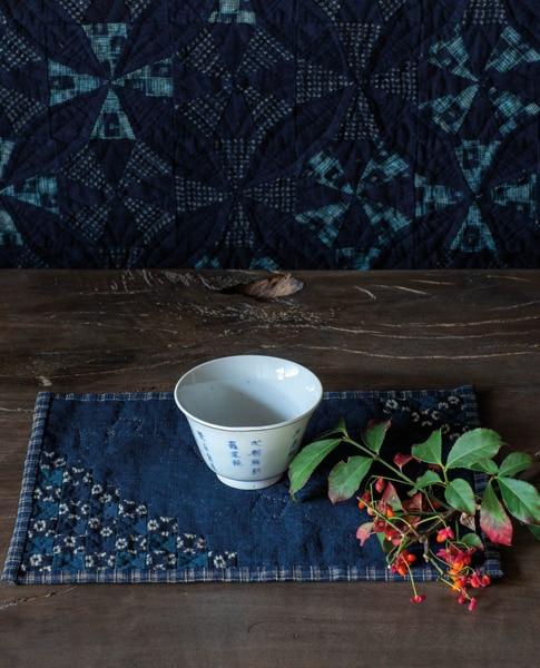 Etsuko-Ishitobi-The-story-of-a-rebirth-Set-de-table-simple
