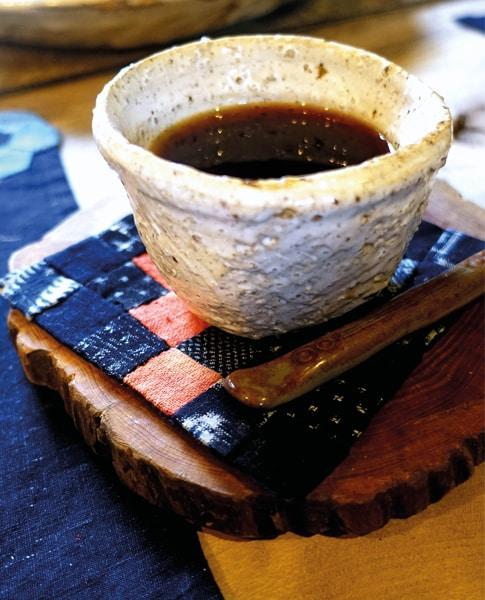 Etsuko-Ishitobi-The-story-of-a-rebirth-Trois-petits-sous-verres