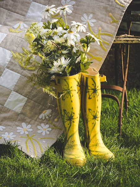 Jo-Colwill-Cowslip-Country-Quilts-Ritas-version-of-Dancing-with-daisies