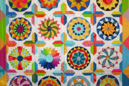 Shine The Circle Quilt - Elizabeth Eastmond