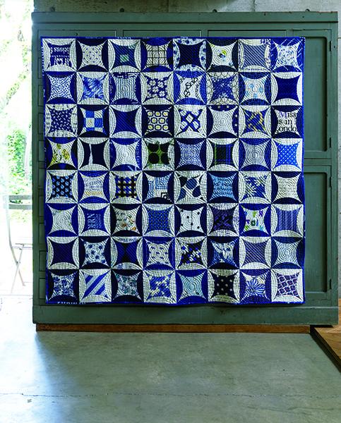 Nobuko Akai-Informal blue and white quilt-Urban Quilts-Suzuko Koseki