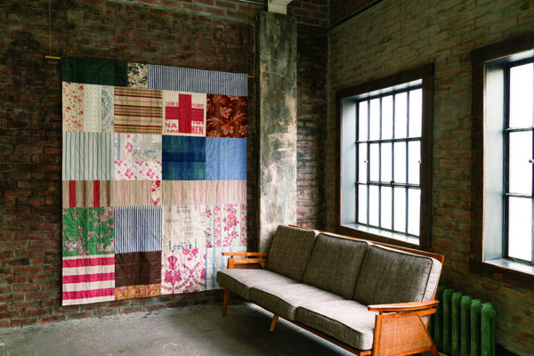 relaxed as an old quilt-free motion quilting-Urban Quilts-Suzuko Koseki