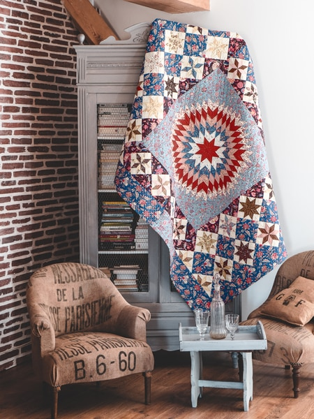 11-Lone-Star-in-a-Field-of-Stars-livre-Dutch-Heritage_Quilted-Treasure_Petra-Prins-2021